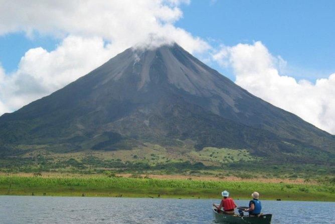 Escapada de un día al Volcán Arenal y a las aguas termales de Baldi desde San José