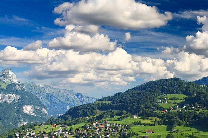 2-Day Switzerland Tour from Zurich to Geneva: Mt.Titlis,Interlaken,Bern,Gruyères
