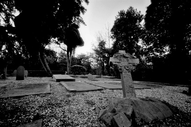 1.5-Hour Cemetery Ghost Hunt in Chattanooga