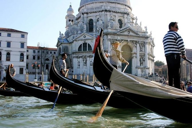 Private Tour: Venice Gondola Ride with Serenade photo 6