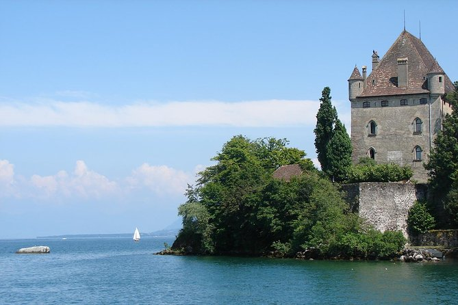 Independent Yvoire Tour and Lake Geneva Cruise with Private Transport from Geneva photo 1