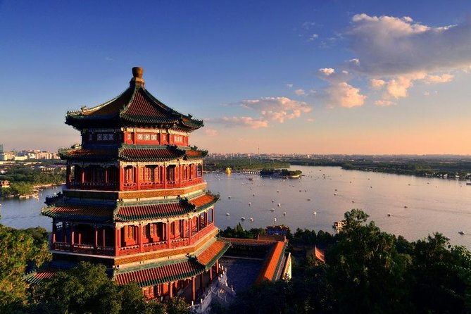 Discover Beijing with Dragon Boat Ride on Kunming Lake of Summer Palace