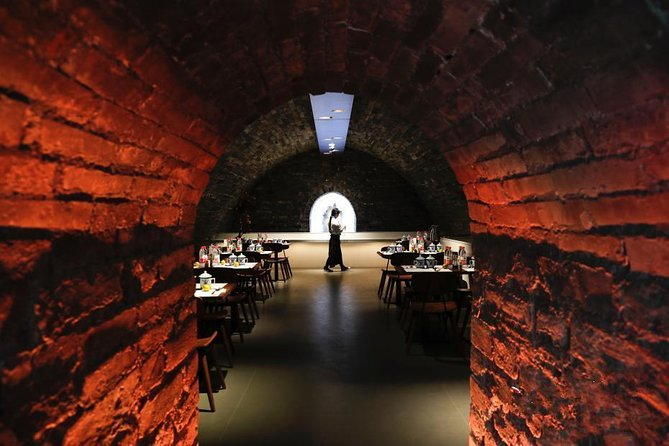 In-depth Forbidden City tour with Royal Icehouse Dining Experience