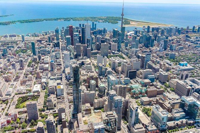 14-minuten helikoptervlucht boven Toronto