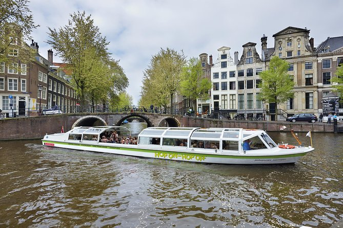 Amsterdam Hop-On Hop-Off Cruise with Rijksmuseum Ticket