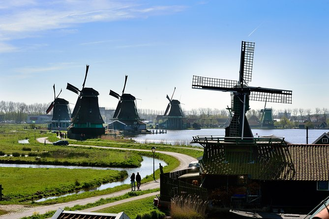 Bus tour to Volendam, Edam and the Windmills incl. 100 Highlights cruise