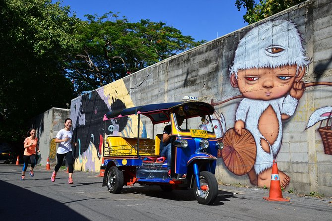 Bangkok Running Tour: Street Art to Street Food