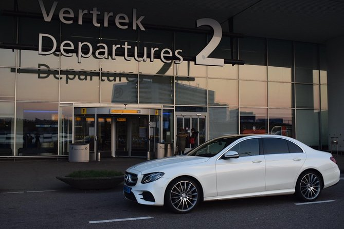 Private Arrival Transfer: Amsterdam Airport to Rotterdam Hotel