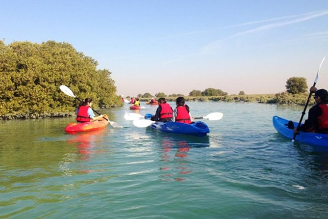 Full-day Private Al Zubarra Fortress and Al Thahkira Kayaking tour from Doha