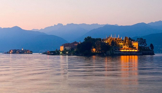 Jewels of Lake Maggiore and Lake Orta (Small group day-trip from Milan)