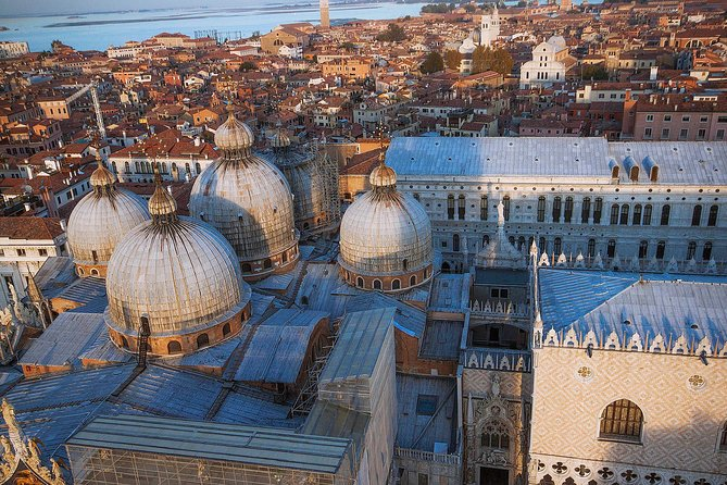 Venice Walking Tour plus Skip the Lines Doge's Palace and St Mark's Basilica Tours