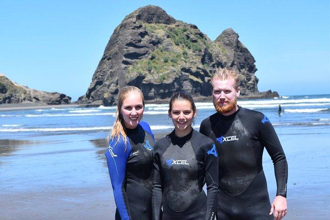 Full-Day Piha and Waitakere Eco-Tour with Surf Lesson from Auckland