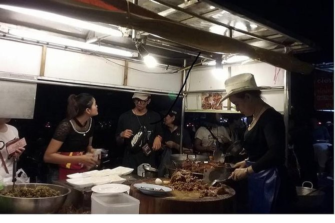Doi Suthep Temple and Cowboy Hat Lady Dinner Private Tour