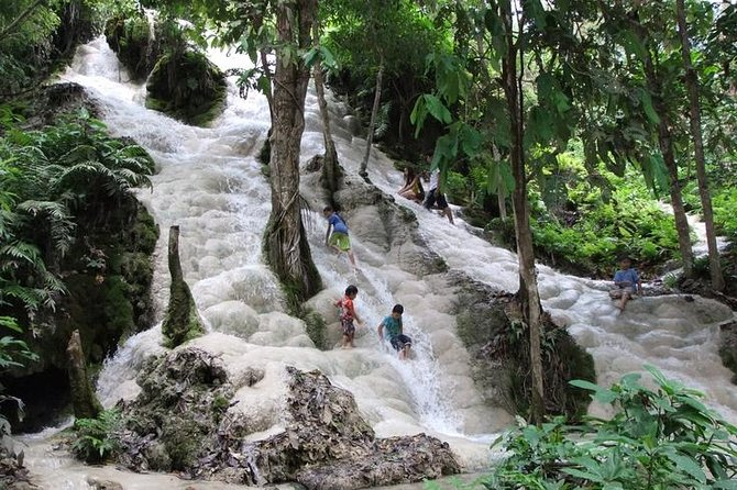 Private Chiang Mai Tour to Bua Thong Waterfalls and Ziplining