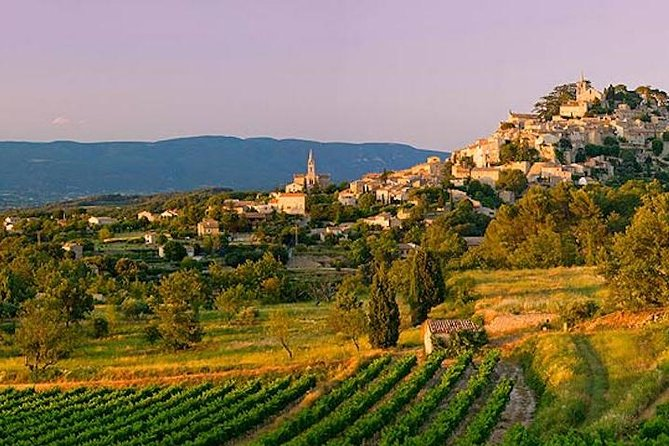 From Nice towards Provence whole day private Provence tour to medieval times