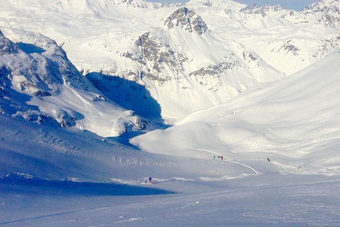 Small-Group Off-Piste Skiing in Val d'Isere photo 1