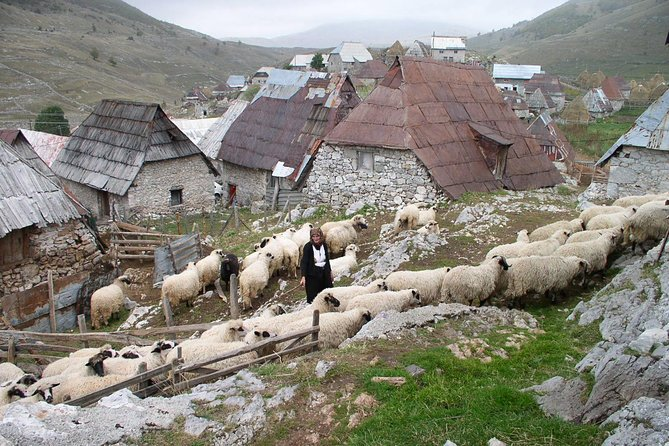 Lukomir Highland Village Tour and Hike from Sarajevo