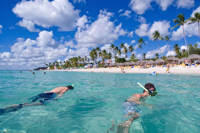 Snorkel and Kayak Adventure in Antigua