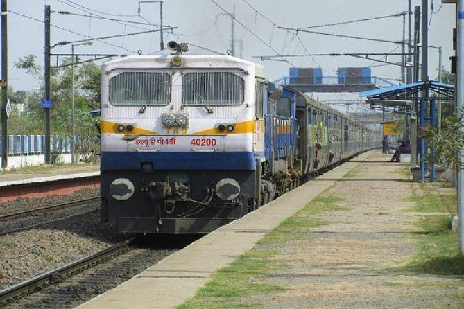 Agra Tour By Gatimaan Train From Delhi