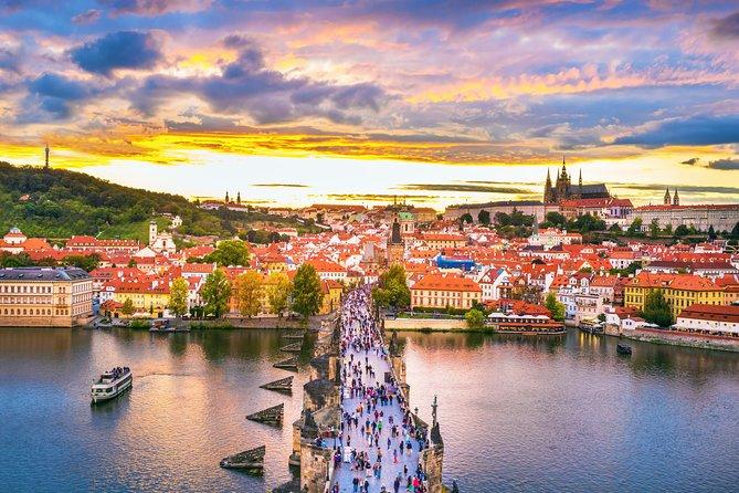 Excursão privada de meio dia a cidade de Praga e castelo