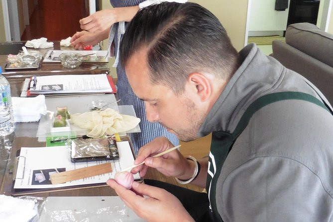 Tokyo Wagashi-Making Class with Tea photo 9