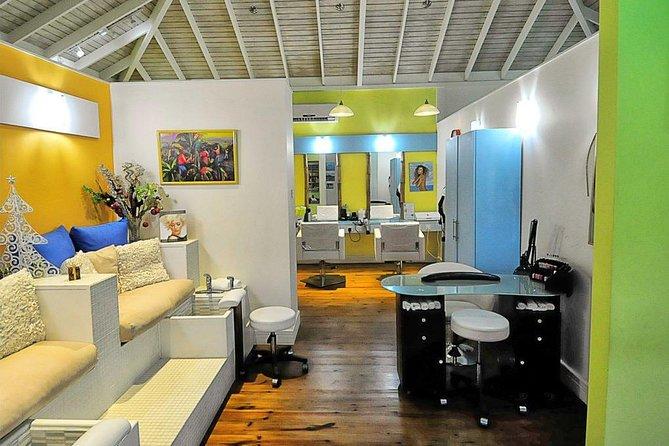 Hair Salon / Manicure & Pedicure Area
