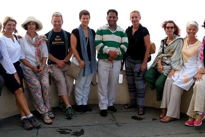 Private Udaipur Heritage Walk With Traditional Folk dance With Tour Guide
