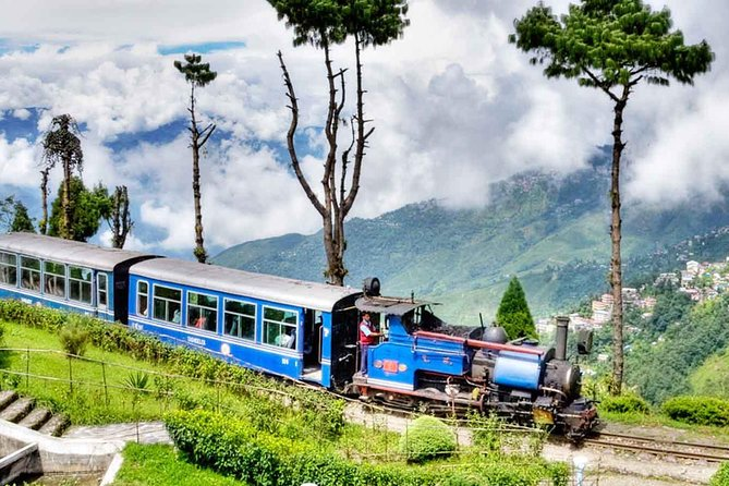 Private Darjeeling City Driver with Air-Conditioned Car for your Disposal 8 Hrs photo 1