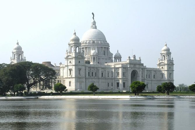 Private Full-Day Kolkata Sightseeing with English Speaking Guide and Transports