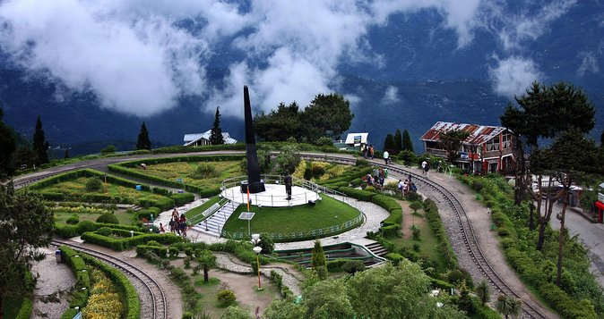 Darjeeling Full-Day Sightseeing Tour with Guide & Transports