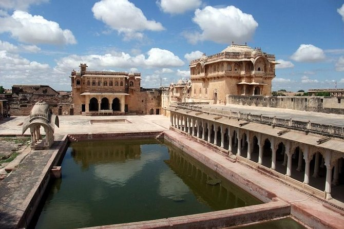 Guided Tour To Nagaur City Fort with Transports From Jodhpur