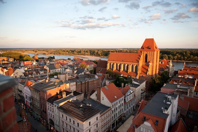 Torun Small Group Tour from Warsaw with Lunch
