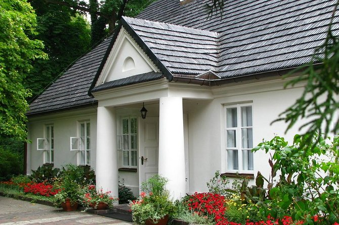 Frederic Chopin and Masovian Country Small Group Tour from Lodz with Lunch