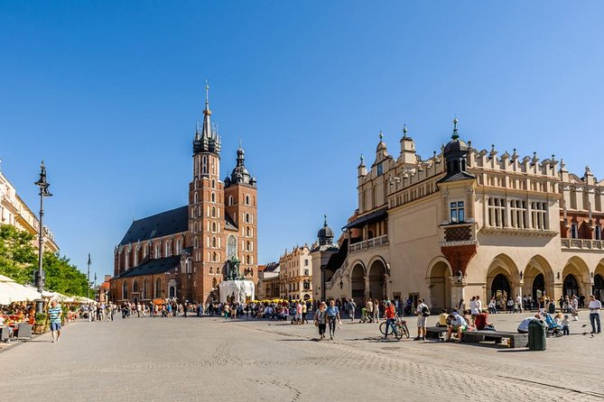 Krakow Small Group Tour from Warsaw with Lunch, Schindler's Factory included