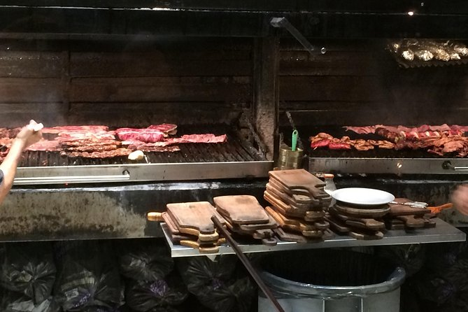 Shore Excursion: Private Buenos Aires by Night with All-Inclusive Dinner