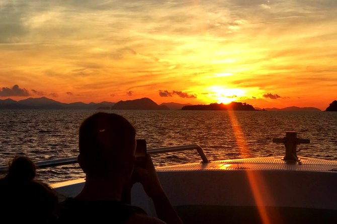 Small Group - Sunrise on the Beach - Phi Phi Islands Tour & Lunch Buffet