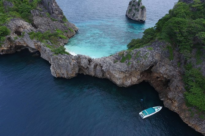 Full-Day Private Phi Phi Islands Speedboat Charter Image