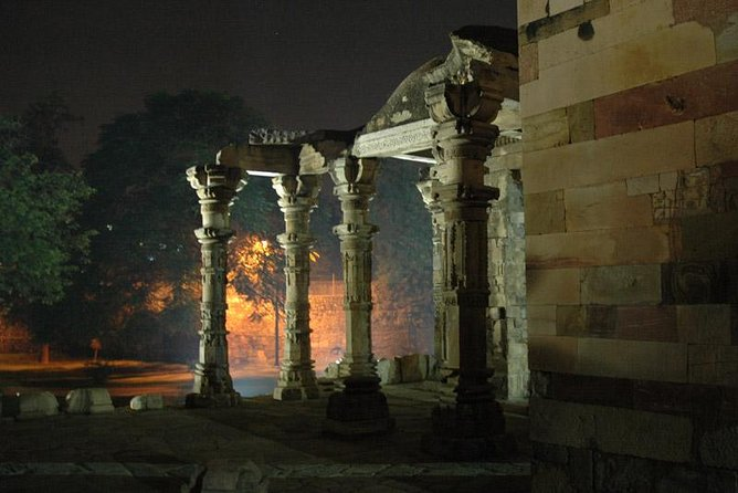 Delhi Evening Tour Including Dinner and Traditional Carriage Ride