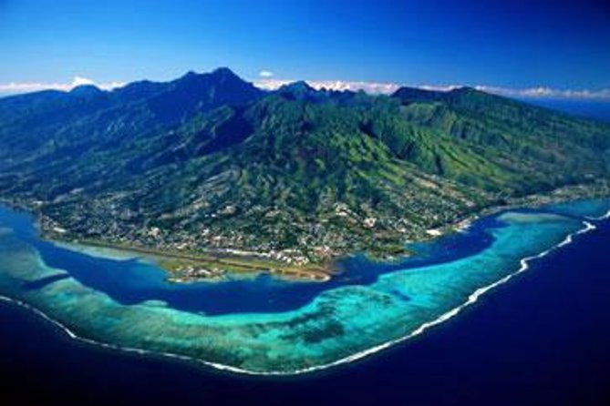 Shared Arrival Transfer: Moorea Airport or Pier to Hotel