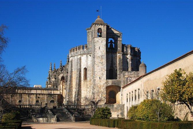 Private Tour: Tomar, Batalha, and Alcobaça Monasteries from Lisbon