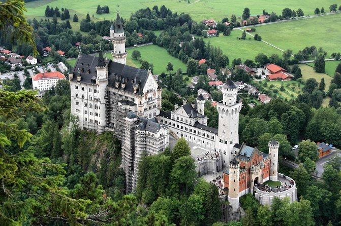 Excursão diurna aos castelos reais de Neuschwanstein e Linderhof saindo de Munique