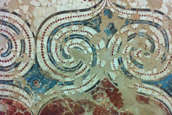Explore Akrotiri GroupTour