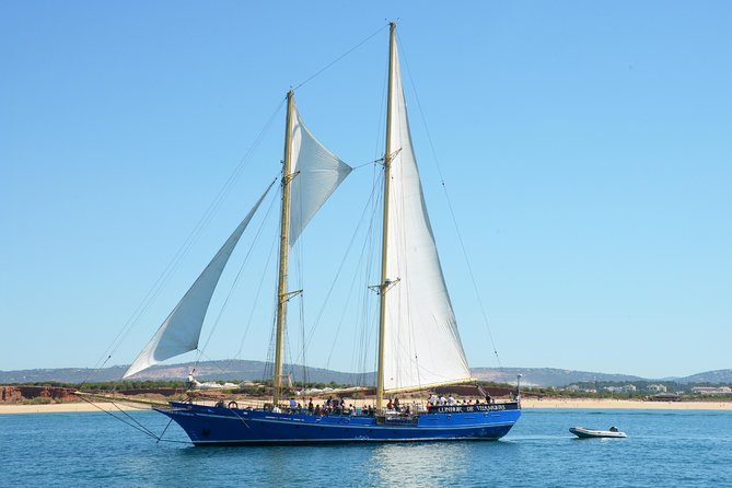 Sejlads Algarve Coastline Half-Day Cruise