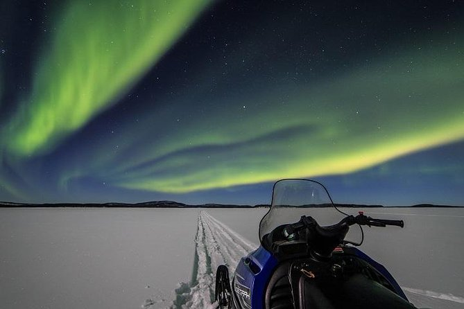 Övernattning Aurora Adventure i Lake Inari