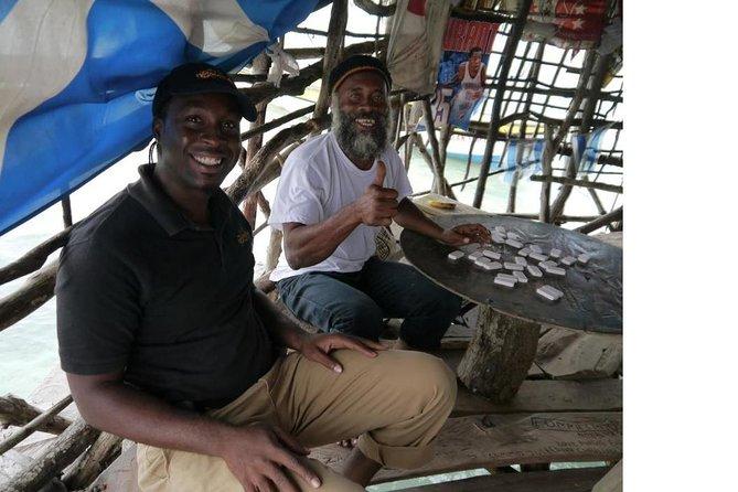 Fuera de The Beaten Path Tour de la Comunidad de Jamaica