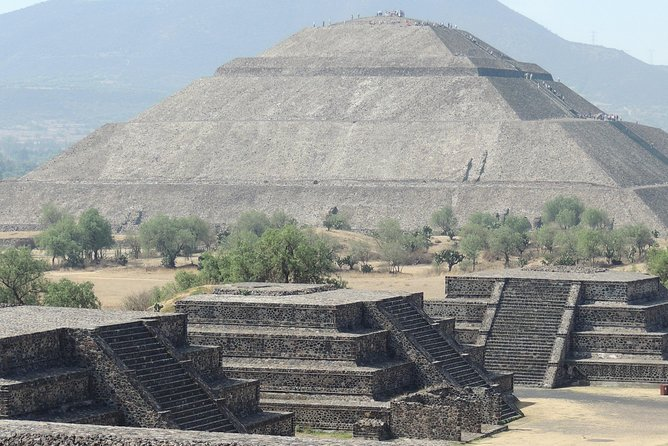 Teotihuacan Pyramids and Shrine of Guadalupe photo 2