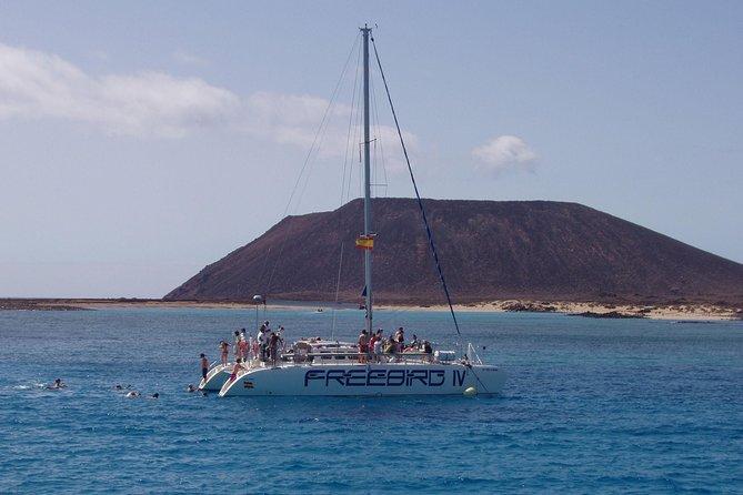 4-hour Lobos Island Catamaran Cruise from Fuerteventura, Fuerteventura, ESPAÑA