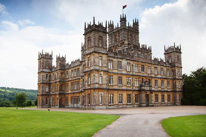 Private Round Trip Transfer : Heathrow or London to Highclere Castle