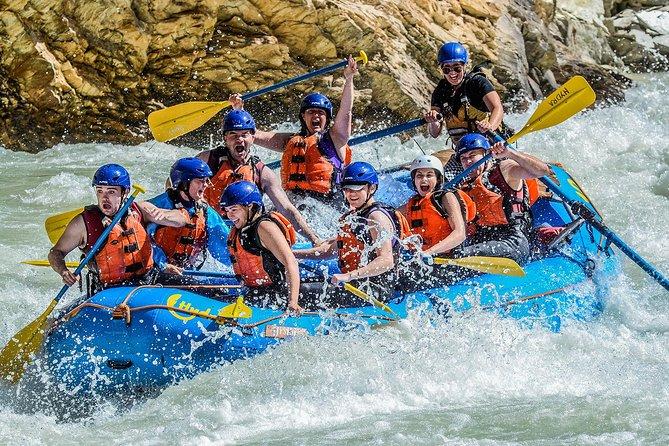 Rafting nas Corredeiras do Rio Kicking Horse