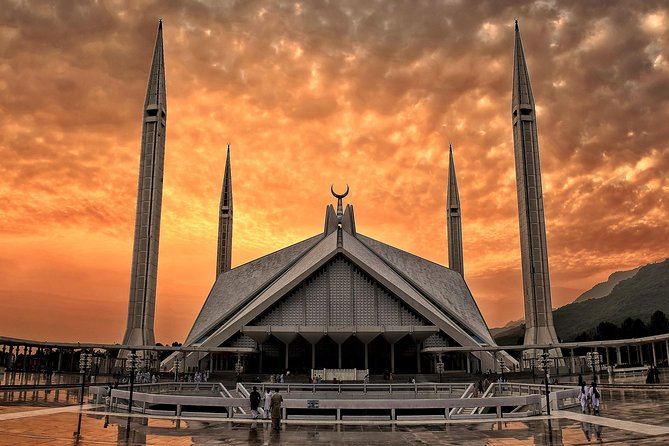 Layover in Islamabad: Covid-19 safe & PRIVATE tour